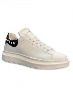 Sneackers borchia bianca