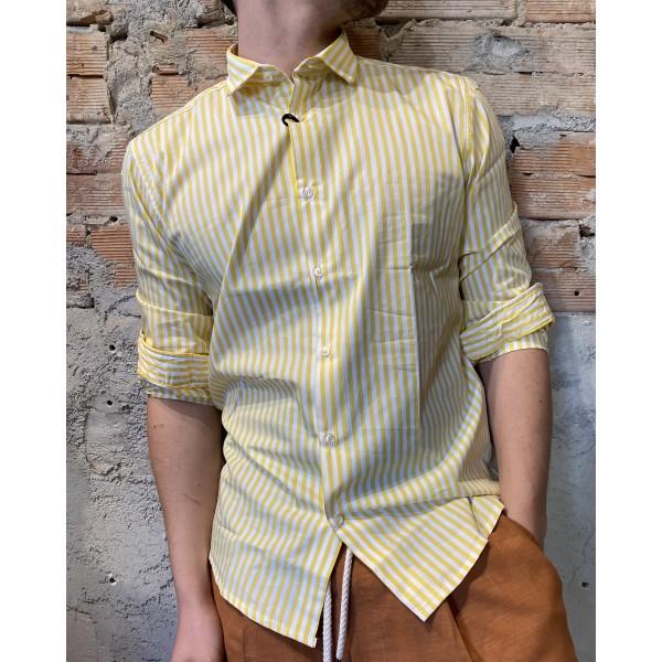Camicia riga gialla