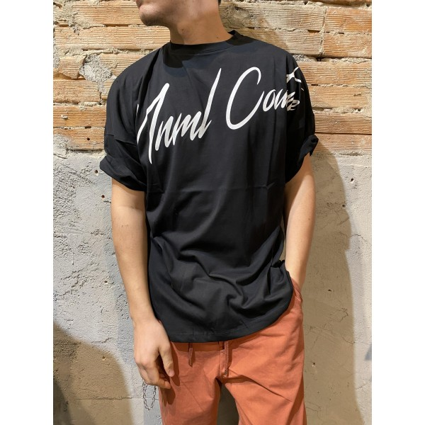 T shirt nera over mnml
