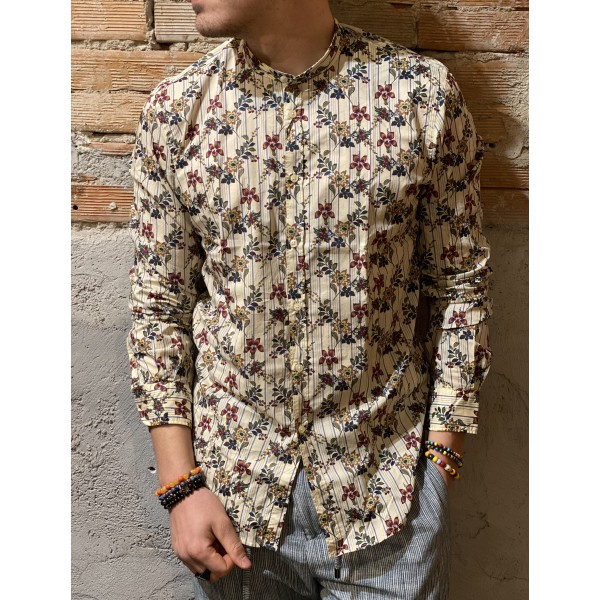 Camicia fiori vintage outfit