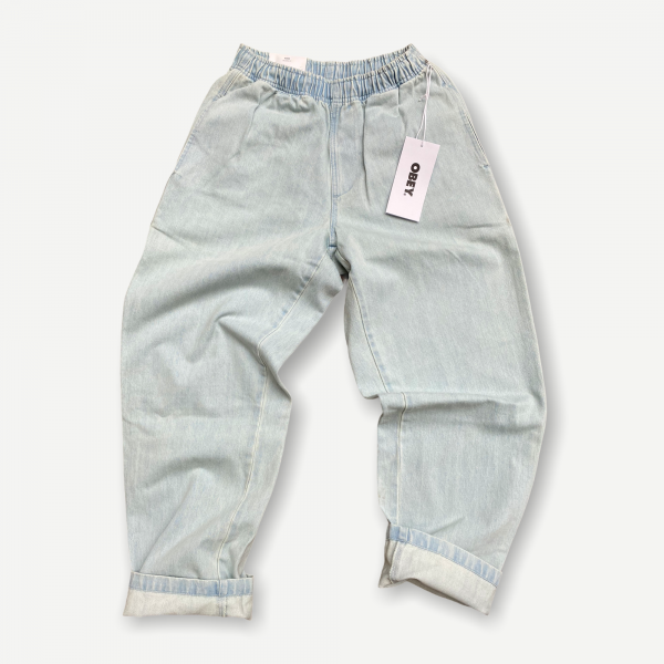 Jeans obey relaxed fit