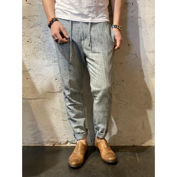 Pantaloni Lino Verdi rigati outfit