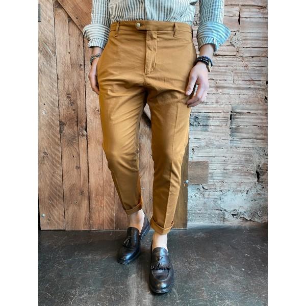 Pantaloni coccio outfit