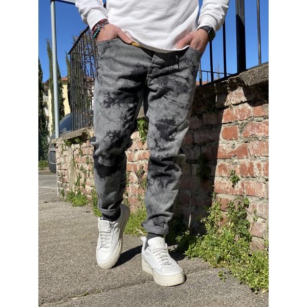 Jeans grigio con sporcature