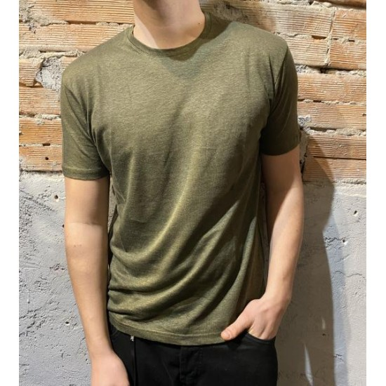 T shirt in lino verde