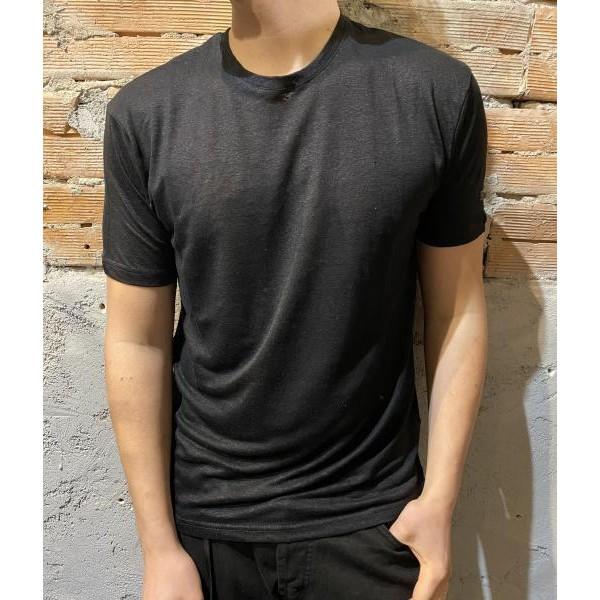 T shirt nera in lino